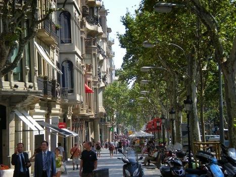Passeig De Gracia Street | Barcelona City Travel - Barcelona Trip Advisor And Tips - Barcelona Guide | Barcelona City Travel Guide | Scoop.it