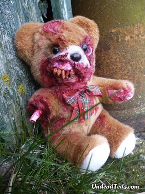 Artist Turns Adorable Teddy Bears into Creepy Zombies | Strange days indeed... | Scoop.it
