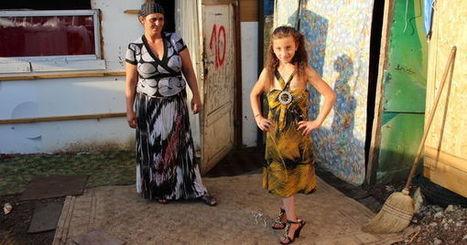 Le cinéma s'invite dans le bidonville rom de Grigny - Le Monde | Habitat indigne, campements et bidonvilles | Scoop.it