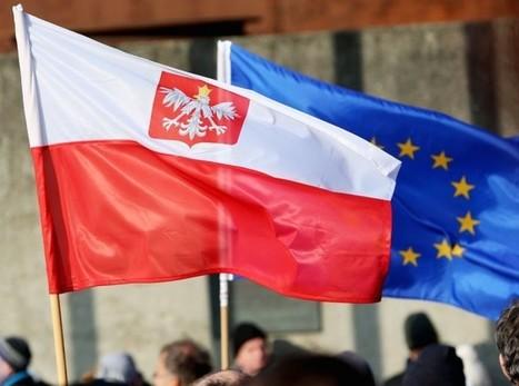 """Pologne : l'UE accuse le pouvoir de """"mettre en péril la démocratie""""   Maison de l'Europe du Morbihan- Bretagne Sud   Scoop.it"""
