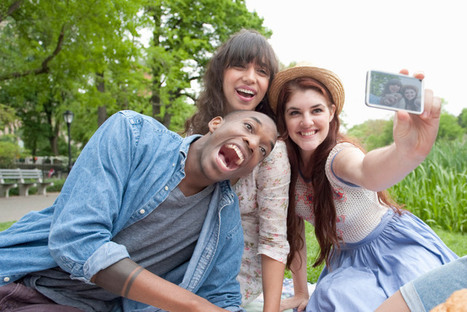 Expert Claims Selfies Are Causing Head Lice Outbreaks in Teens | Taylor Hohulin's Show Prep | Scoop.it