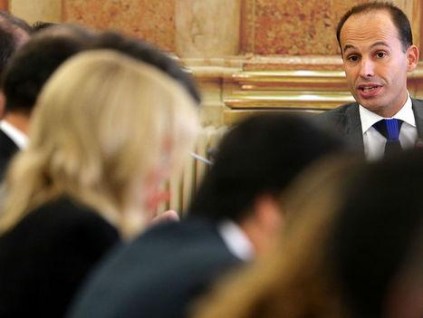 O Governo vai reduzir postos de trabalho na segurança social - TVI24 | Eleições Europeias 2014 | Scoop.it