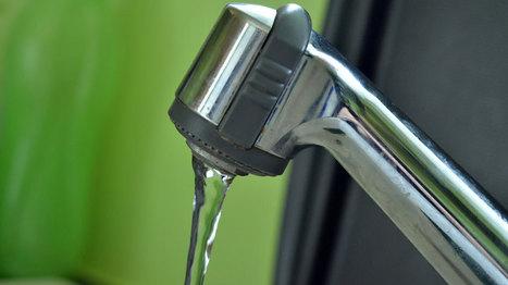 Ces trois idées fausses qu'ont les Français sur l'eau du robinet - Sciences - MYTF1News | L'eau en chiffres | Scoop.it