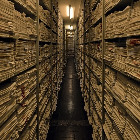 "Opening the Nazi archives at Bad Arolsen - Books & ideas | ""Qui si je criais...?"" 