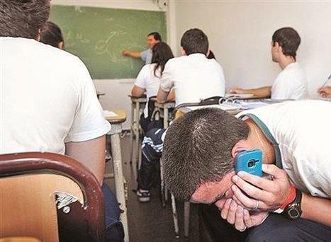 Sobre la prohibició de l'ús de telèfons mòbils en escoles iinstituts | Escola i Educació 2.0 | Scoop.it