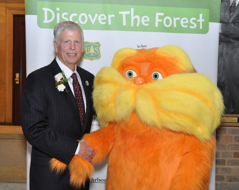 Dr. Seuss' The Lorax Inspires Kids to Hug a Tree | Government Book ... | Rachel Sigrist - Gov | Scoop.it