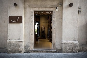 Jacob Cohen apre a Taormina - Vogue.it   Sicily ...food, drink, history,holiday   Scoop.it