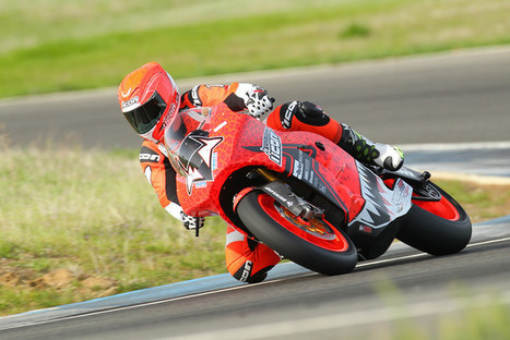 Steve Atlas testing the 2013 Empulse RR in ICON designed Sauvetage livery. | Brammo Electric Motorcycles | Scoop.it