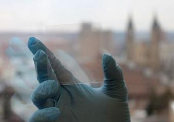 Scientists Create Shatterproof Phone Screens | Amazing Science | Scoop.it