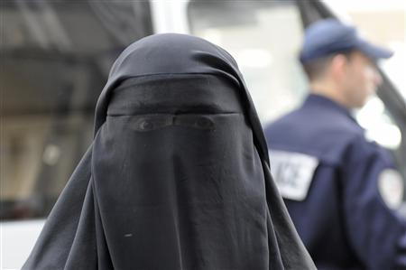 Niqab : un contrôle d'identité tourne au pugilat à Marseille | GentilPatriote | Scoop.it