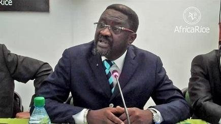 Papa Abdoulaye Seck veut  une agriculture de type nouveau «permettant aux Sénégalais de nourrir les Sénégalais» | Questions de développement ... | Scoop.it