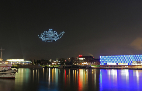 smart atoms spaxels by ars electronica draw 3D images in the night sky - designboom | architecture & design magazine | laurent | Scoop.it