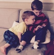 Toddlers gain touch-screen skills early, study finds | disruptive technolgies | Scoop.it