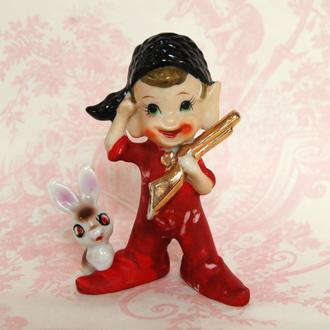Vintage 1950s Davy Crockett and Bunny Figurine | Antiques & Vintage Collectibles | Scoop.it