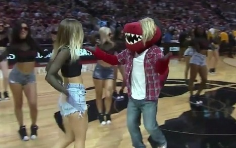 WATCH: Raptors mascot dresses up like Justin Bieber and puts on a show | Mascots | Scoop.it