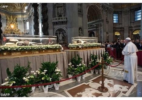Pápež František si vo Vatikáne uctil relikvie svätých Pátra Pia a Leopolda Mandića | Správy Výveska | Scoop.it