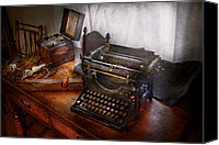Steampunk - Typewriter - The secret messenger  Photograph by Mike Savad | Steampunkerie | Scoop.it