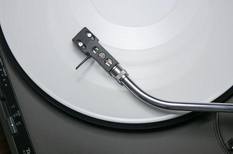 Droit d'auteur : Apple Music et Spotify diffusent enfin des remix non officiels - Pop culture - Numerama | Radio 2.0 (En & Fr) | Scoop.it