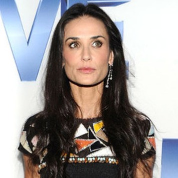 Demi Moore Back to Work, Signs New Movie - E! Online   Machinimania   Scoop.it
