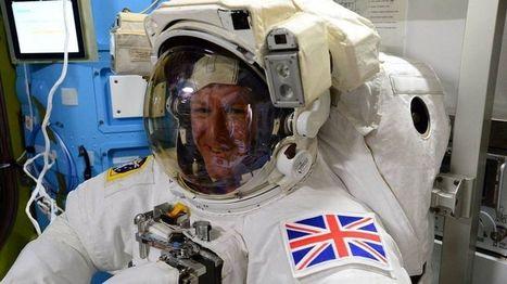 Tim Peake begins historic spacewalk   space and aerospace   Scoop.it