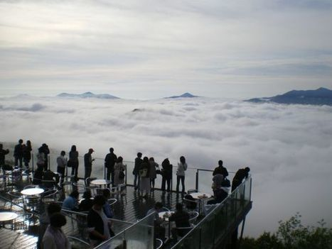 The Unkai Terrace of Tomamu – A Magical Place Above the Clouds | Strange days indeed... | Scoop.it