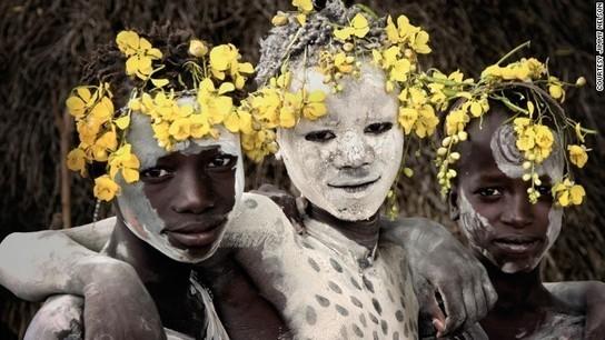 Tribal beauty: Photographer gives snapshot of vanishing way of life