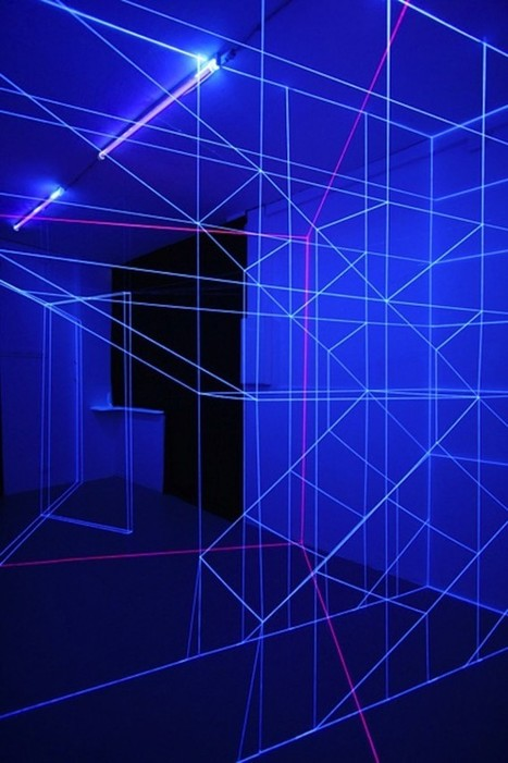 installation art - Spectacular UV Light and Thread Installations | VIM | Scoop.it