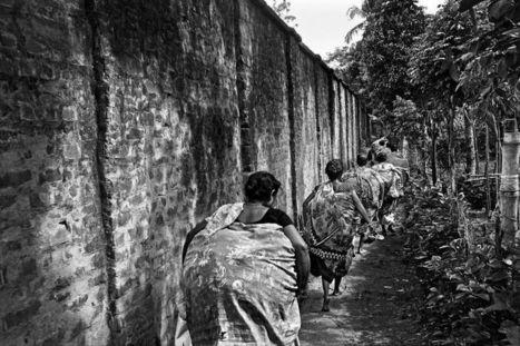 Entre l'Inde et le Bangladesh, «le mur et la peur» | Frontières et espaces frontaliers dans le monde. | Scoop.it