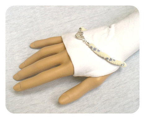 Forget-me-not Bracelet - Bead Crochet Rope - Something blue for a bride | Beadweaving | Scoop.it