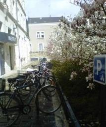 Parkings vélo et bornes de recharge : un décret étend en 2017 le dispositif aux bâtiments neufs | Réglementation Environnementale | Scoop.it