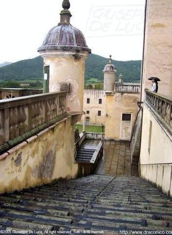 Voci e apparizioni nel castello:<br/>&laquo;Ci sono fantasmi, ecco le prove&raquo; | Fantasmi : apparizioni recenti. | Scoop.it