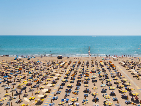 Italian beaches offer tourists their money back if it rains | East Coast Limousine Service | Scoop.it