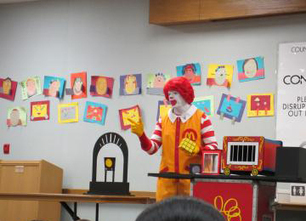 Retire Ronald McDonald and Begin the End of Big Food's Marketing to Children | EcoWatch | Scoop.it