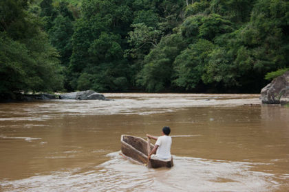 "PHOTOS: Panama begins ""test-flooding"" dam over indigenous protests 