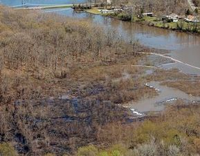 At Oil Spill Cleanup in Arkansas, Exxon Running the Show, Not Federal Agencies | InsideClimate News | Sustain Our Earth | Scoop.it
