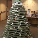 Book christmas tree | Recyclart | Spontaneous Smiley | Scoop.it