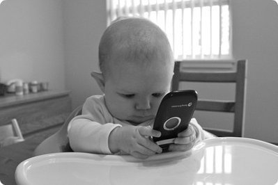 1 in 3 of babies are learning how to use smartphones before they can walk or talk | Technology by Mike | Scoop.it