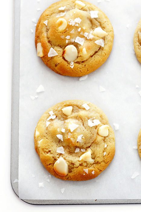 Salted White Chocolate Macadamia Nut Cookies | Gimme Some Oven | Passion for Cooking | Scoop.it