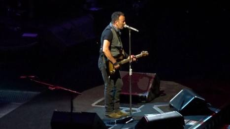Bruce Springsteen Offers Tour Debuts & Overcomes Power Outage In Paris - JamBase | Bruce Springsteen | Scoop.it
