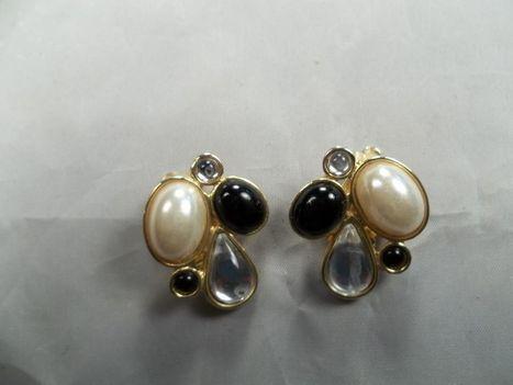 Vintage Clip on Earrings | QuiteQuainte | Scoop.it