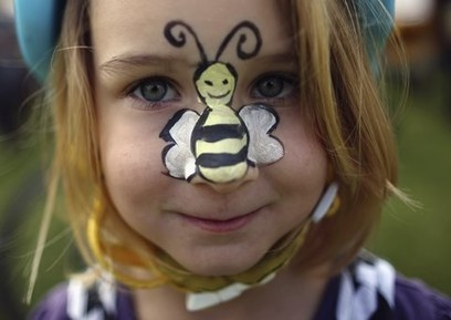 Bee pesticides may 'harm developing brains of unborn babies' | sustainablity | Scoop.it