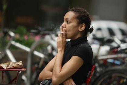 De plus en plus de femmes meurent à cause du tabac | Facteurs comportementaux et cancer | Scoop.it