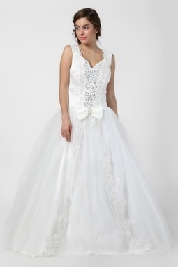 Fashion Lace Applique Cap-Sleeves Ball Gown | Wedding Accessories | Scoop.it