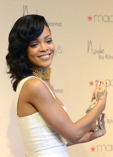 Rap-Up.com    Rihanna Launches 'Nude' Fragrance in L.A.   Music Today   Scoop.it