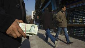 Iran steps up internal pressures in bid to halt currency nosedive | Mouvement. | Scoop.it