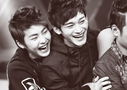 Twitter / x__kyungsoo: All the smiles ^^ Xiumin <3 ...   Meymey   Scoop.it