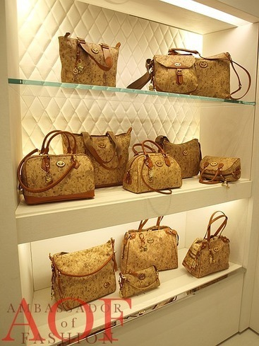 Shopping for My First Piero Guidi Handbag – NYC Flagship   Le Marche & Fashion   Scoop.it