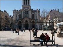 A quoi ressembleront les bancs publics de demain ? | Innovations urbaines | Scoop.it