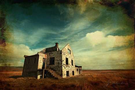 Abandoned House, Fine Art Print, Forgotten Dreams Memories Sentimental, Iceland Photography | Modern Ruins, Decay and Urban Exploration | Scoop.it