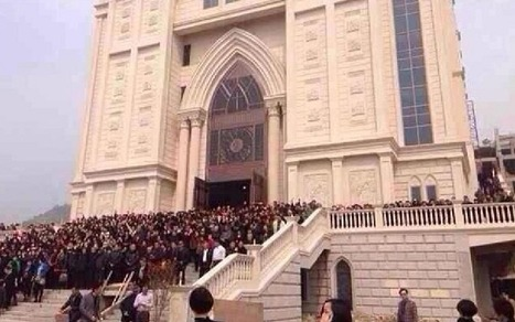 Inspiring: Christians in China Form Human Chain Around Church When Officials Try to Demolish It   Church Demolition Threat Sparks Sit-In in Wenzhou, China   Scoop.it